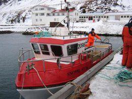 Báturinn Snorri ST-24 og Jón Eiríksson í skutnum.
