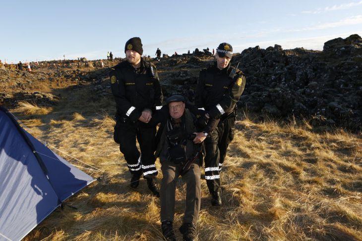 Ómar Ragnarsson sjónvarpsmaður handtekinn.