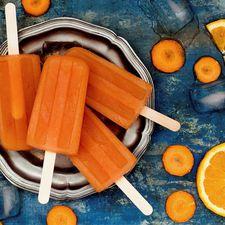Mangó- og gulrótaíspinnar