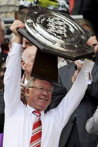 Sir Alex Ferguson og hans menn fögnuðu Samfélagsskildinum í gær.