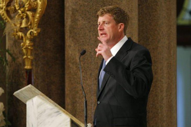 Edward Kennedy borinn til grafar