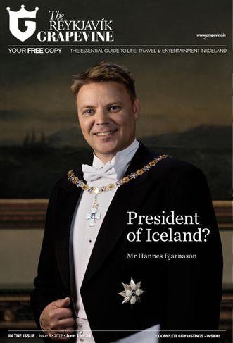 Hannes Bjarnason með keðju og stórkrossstjörnu. Svona gæti Hannes tekið sig út í hátíðarveislu í ...