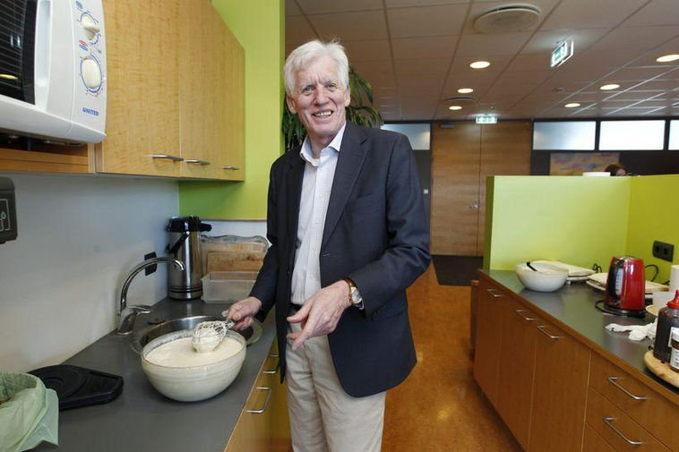 Magnús Jónsson, Deputy State Negotiator, dealing with the waffle mixture.