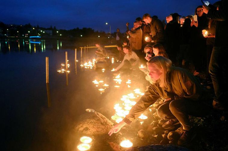 A memorial candlefloat for Hiroshima last year at Lake Tjörnin.