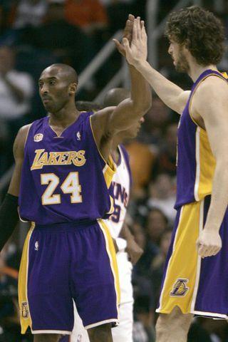 Kobe Bryant og Pau Gasol á góðri stundu.