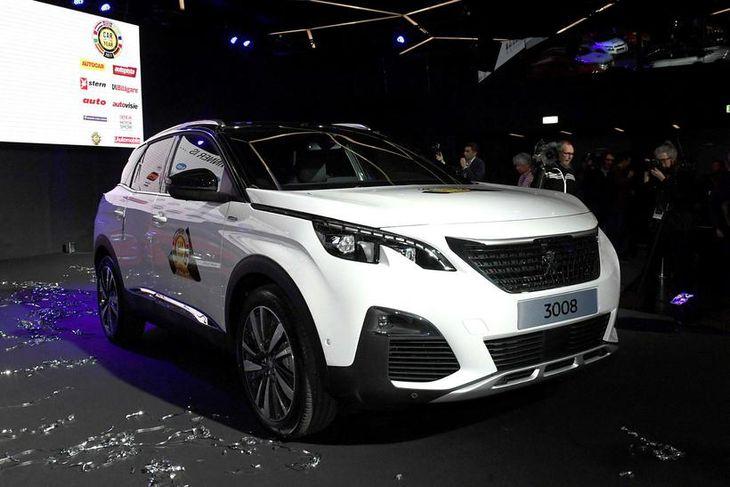 Bíll ársins 2017 í Evrópu, Peugeot 3008, á bílasýningunni í Genf í dag.