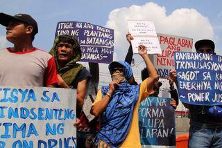Duterte hótar að drepa eigin son