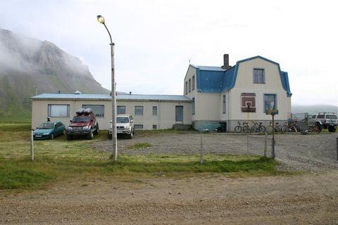 Finnbogastadaskoli