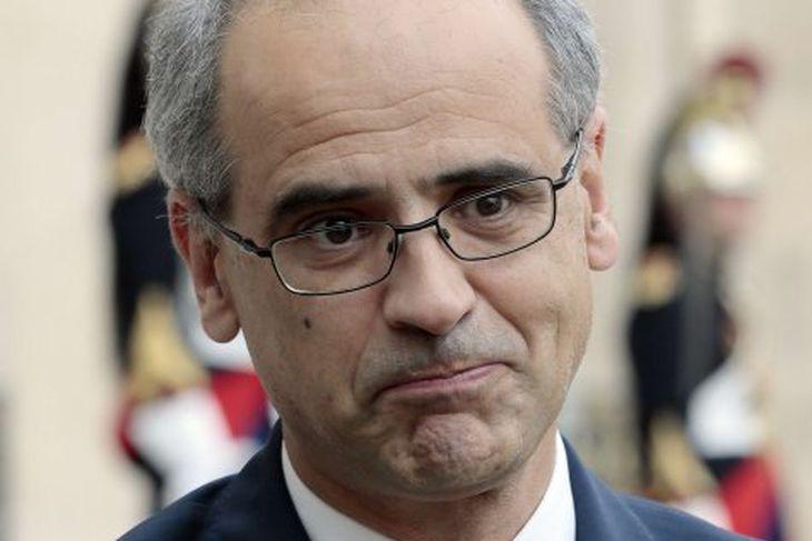 Forseti ríkisstjórnar Andorra Antoni Marti Petit kynnti frumvarp um tekjuskatt.