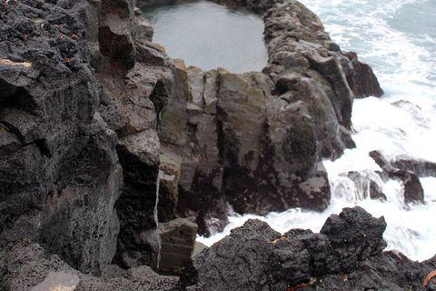 According the folk tales, Brimketill used to be Oddný the troll's bath.