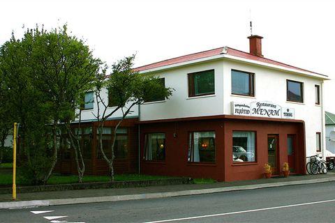 Menam Restaurant / Guesthouse
