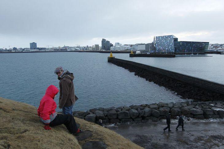 Tanginn sem Þúfa stendur á nefnist Norðurgarður og er manngert landsvæði eins og stór hluti ...