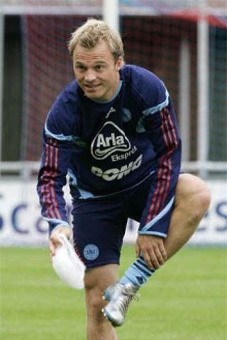 Danski landsliðsmaðurinn Lars Jacobsen er kominn til West Ham.