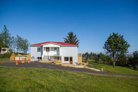 Fagrahlíð Guesthouse