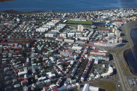 PHOTOS: Flying from Reykjavik to Ísafjörður