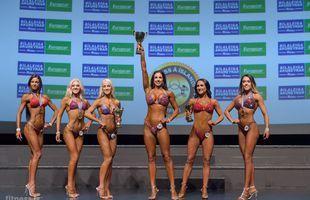 Brúnar og stæltar fitness-drottningar