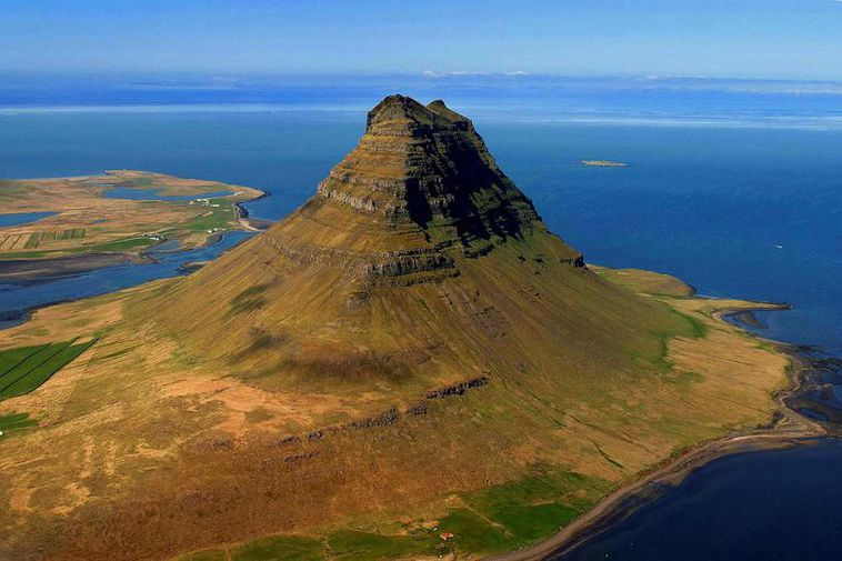 Kirkjufell mountain in Snæfellsnes, West Iceland.