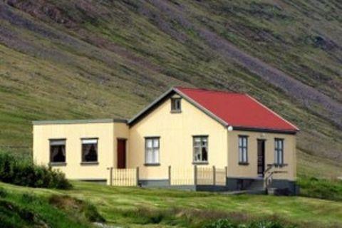 Blómsturvellir - Guesthouse