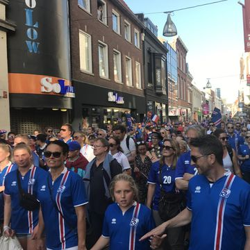 There are many fans of the Icelandic team gathered in Tilburg