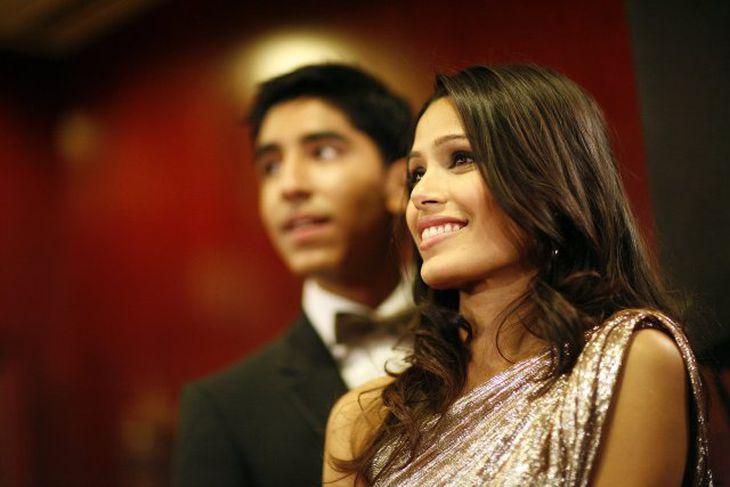 Freida Pinto og Dev Patel léku saman í verðlaunamyndinni Slumdog Millionaire og eru nú par.