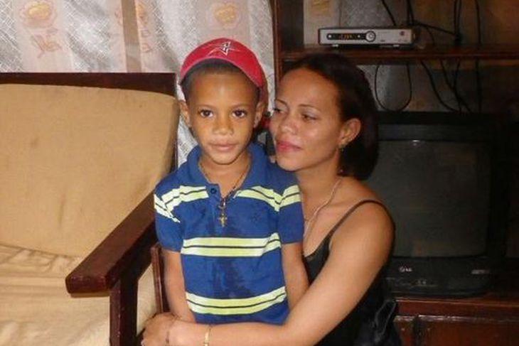 Carmen Castillo og sonur hennar Erick Angel Castillo sem lést ...