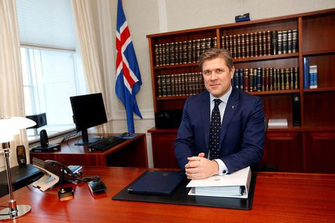 Bjarni Benediktsson photographed yesterday in his new office as Prime Minister.
