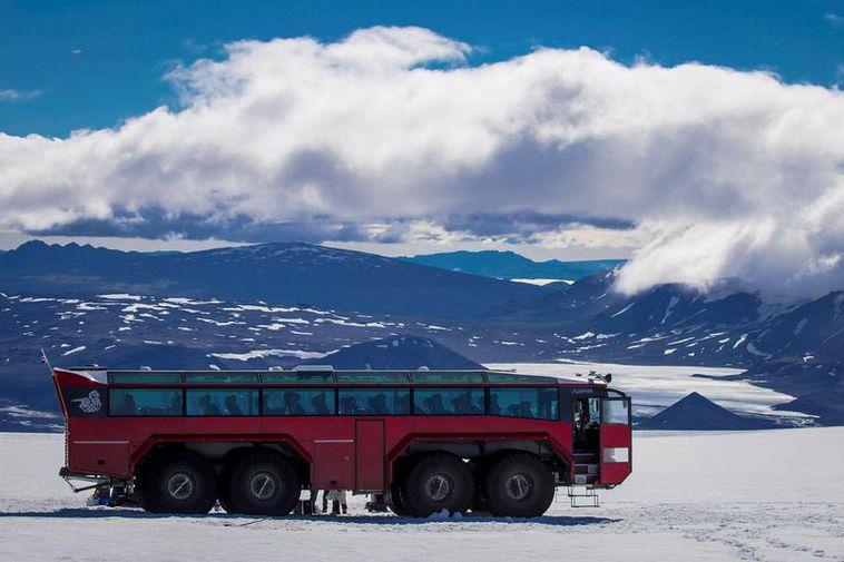 Sleipnir on Langjökull glacier.