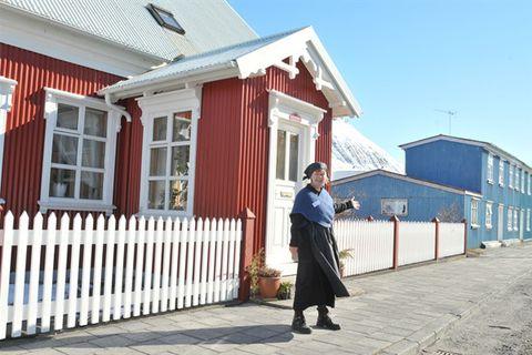 Helga Ingeborg Hausner - Ísafjörður Guide