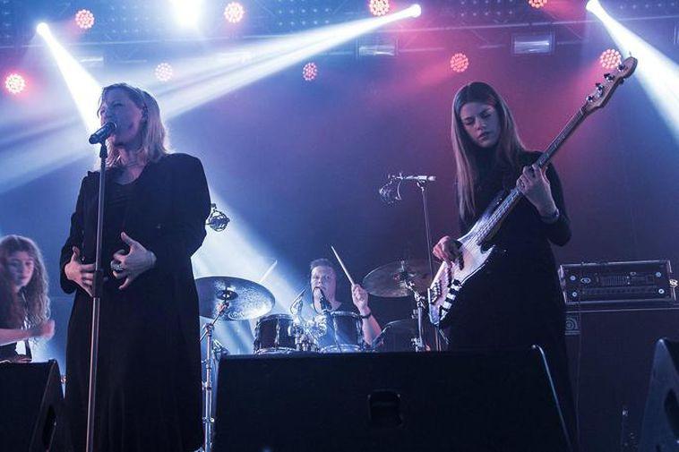 Guests include Icelandic bands Mammút (above) and Reykjavíkurdætur.