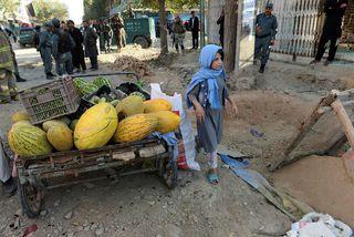 Afganistan er öruggt svæði fyrir þessa afgönsku stúlku en ekki norska ríkisborgara.