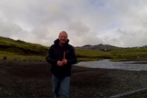Do you know this man? A New Zealander who lost his camera four years ago on an Icelandic glacier.