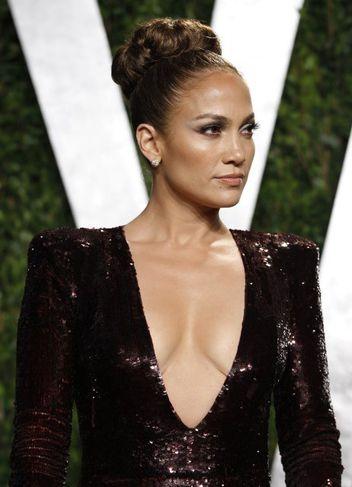 Jennifer Lopez sýnir gjarnan bert hold.