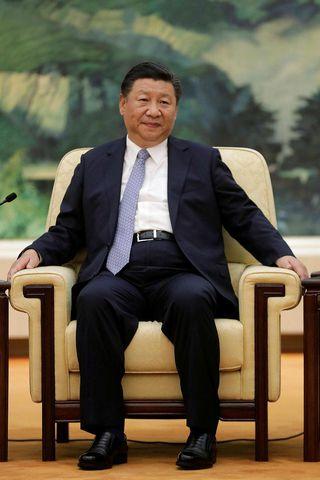 Xi Jinping var afslappaður á fundi í Höll fólksins í ...