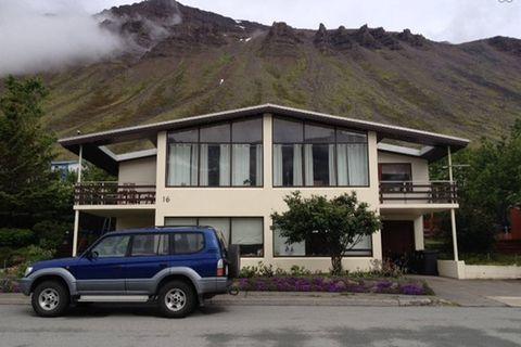 Miðtún - Guesthouse