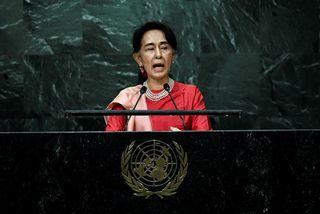Aung San Suu Kyi hefur vakið reiði alþjóðasamfélagsins fyrir aðgerðaleysi gegn ofsóknum í garð rohingja.