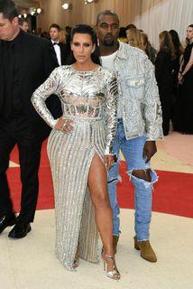 Kim Kardashian West og Kanye West eiga von á sínu þriðja barni.