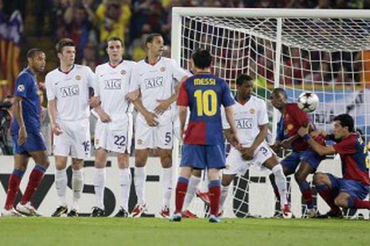 Barcelona tekur aukaspyrnu.