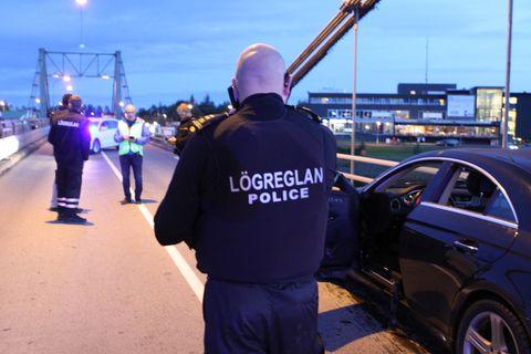 Police at Ölfusá bridge last night.