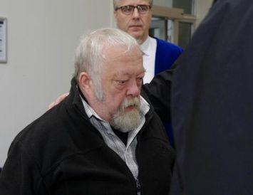 Karl Vignir Þorsteinsson við komuna í Héraðsdóm Reykjavíkur í morgun.