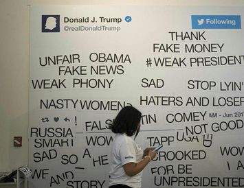 Samantekt á nokkrum tístum Donalds Trump Bandaríkjaforseta.