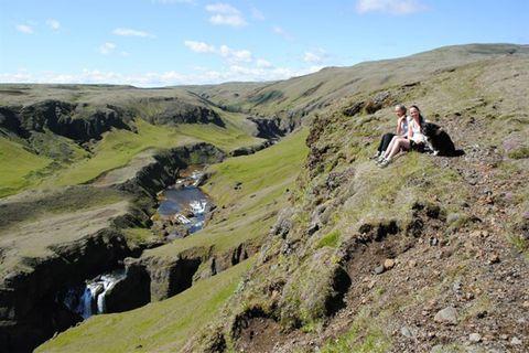 Slóðir