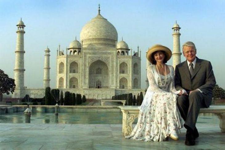 Forsetahjónin Dorrit Moussaieff og Ólafur Ragnar Grímsson við Taj Mahal á Indlandi.