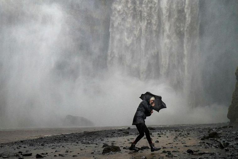 Rain and wind is what to expect in South and West Iceland tomorrow.