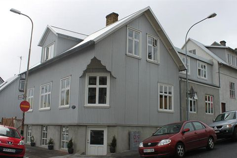 101 Skuggi Guesthouse
