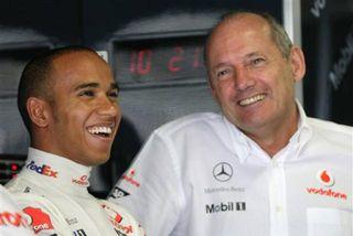 Ron Dennis uppgötvaði Lewis Hamilton á sínum tíma og var um skeið liðsstjóri hans.
