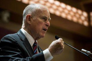 Jerry Brown, ríkisstjóri Kaliforníu, sagði loftslagsbreytingar vera raunverulegan vanda sem ógnaði samfélagi manna.