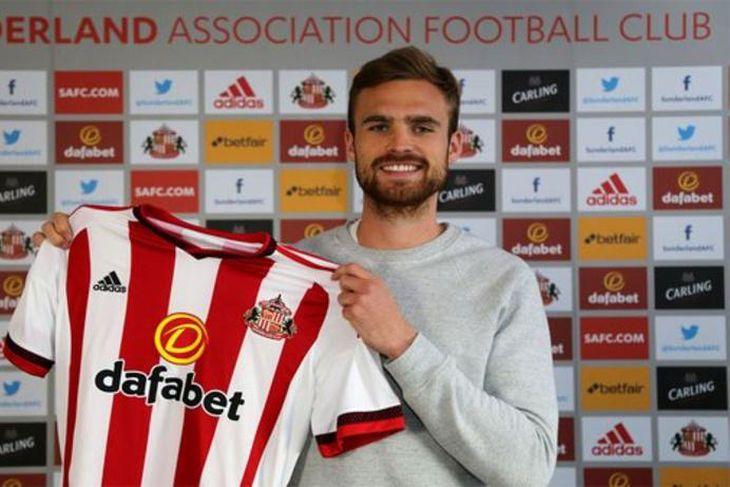 Jan Kirchoff er kominn til Sunderland frá Bayern München. Hann er 25 ára hávaxinn miðvörður ...