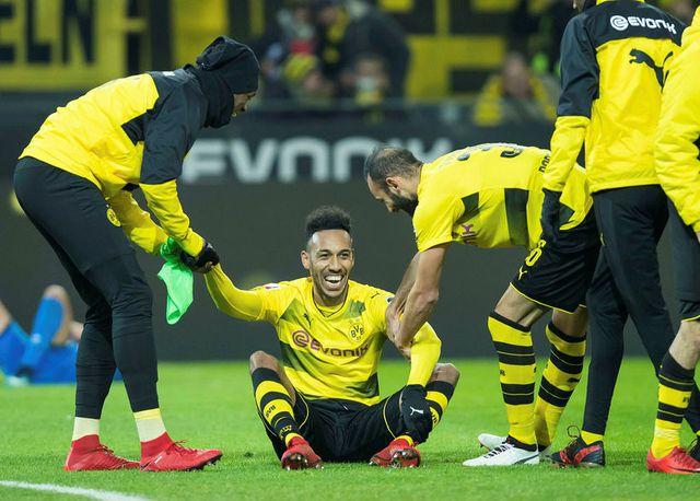 Aubameyang framlengir við Dortmund