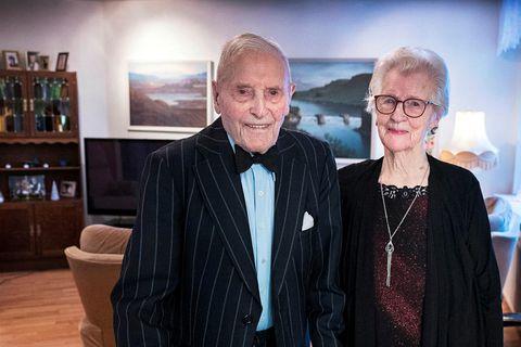 Lárus Sigfússon and Kristín Gísladóttir, dressed up for his 105th birthday.