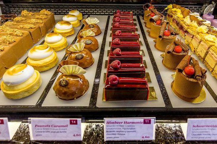 Kökuúrvalið hjá Café Central er bara nokkuð freistandi.